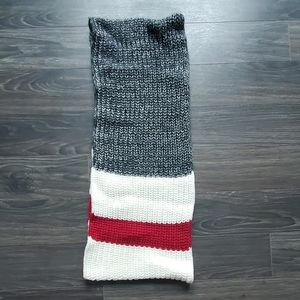 Roots knit circle scarf